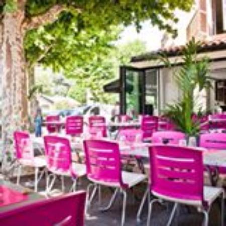 Brasserie du chateau : la terrasse ombragée