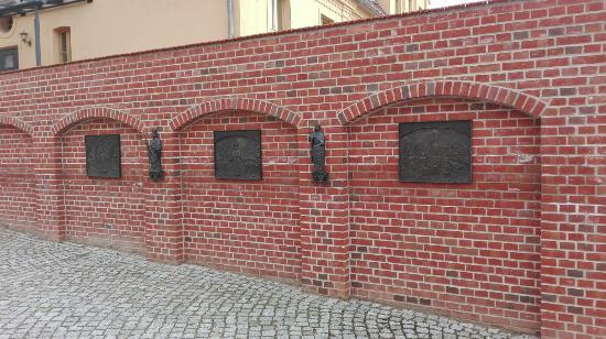 """Bronzerelief """"Die Prämonstratenser"""""""