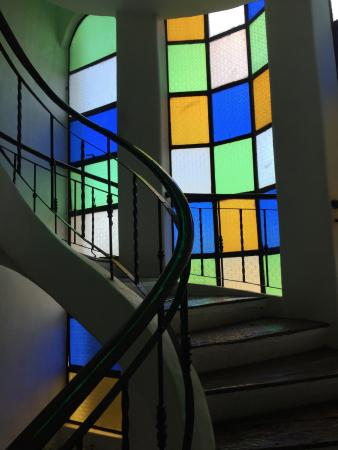 Bangera Inn: The hotel has four floors and a roof top. Go up the different levels in these charming staircase