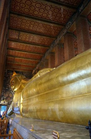 Temple of the Reclining Buddha (Wat Pho) The giant reclining buddha & The giant reclining buddha - Picture of Temple of the Reclining ... islam-shia.org