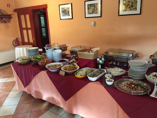 buffet bild von vnukec limbus tripadvisor rh tripadvisor at