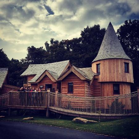 luxury treehouse picture of enchanted village lodges alton towers rh tripadvisor com au