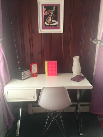 The White Dove Rockotel: The writing desk