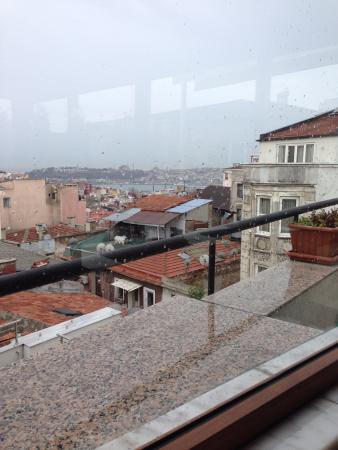 View from breakfast area ayramin hotel stanbul resmi for Ayramin hotel taksim