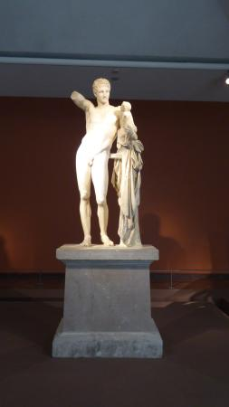 Hermes e Dioniso - particolare - Picture of Hermes by ...