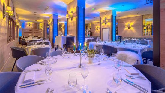 Hotel L'Arboisie: LA TABLE DE L'ARBOISIE -ECLAIRAGE LE SOIR