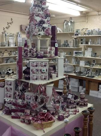 Higher Burwardsley, UK: Floral range new stock just arrived