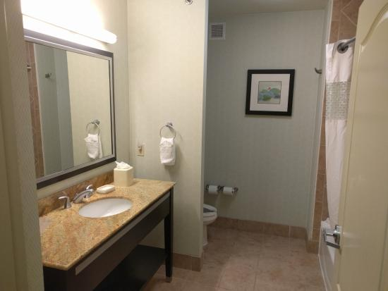 Denison, TX: Bathroom