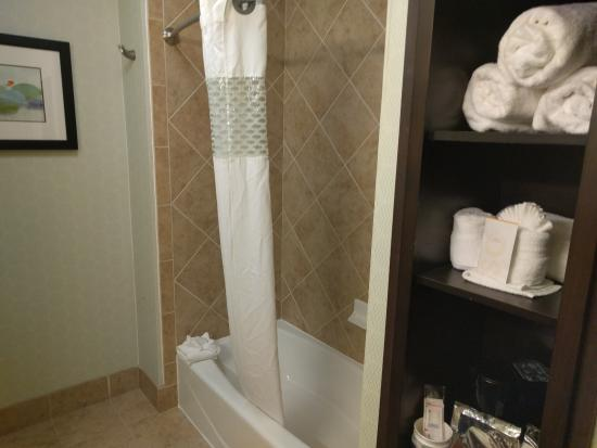 Denison, TX : Shower, Towels and Coffee