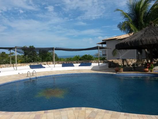 Xurupita Holiday Resort : Piscina com vista para a Mata Atlântica e Praia ao fundo.
