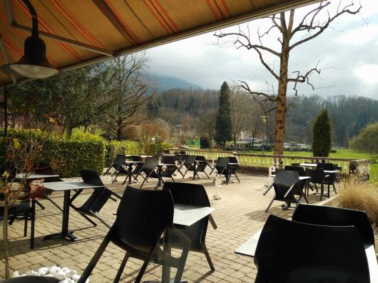 Vue sur le parc - Photo de Bistrot des Terrasses, Uriage les Bains ...