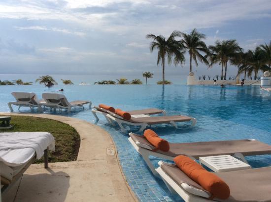 infinity pool picture of le blanc spa resort cancun cancun rh tripadvisor com