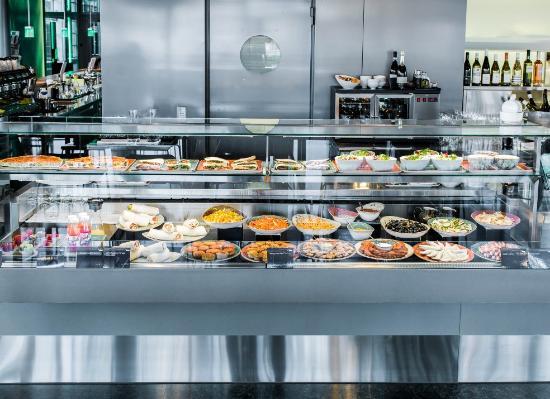 World Cafe : Im World Café gibt es täglich frische Wok-Spezialitäten, Salate und Wraps