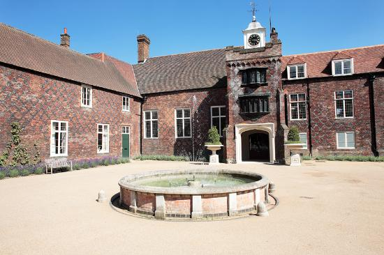 Fulham Palace : Tudor Courtyard and clocktower