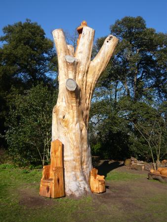 Fulham Palace: Carved 'Bishops Tree'