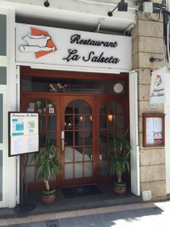 La Salseta: Entrada del restaurante