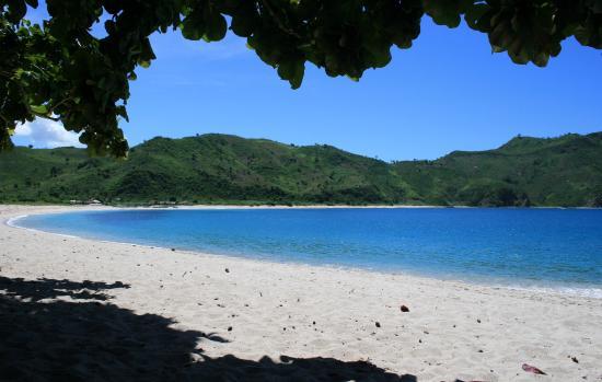 Buton Island, إندونيسيا: Katembe beach.