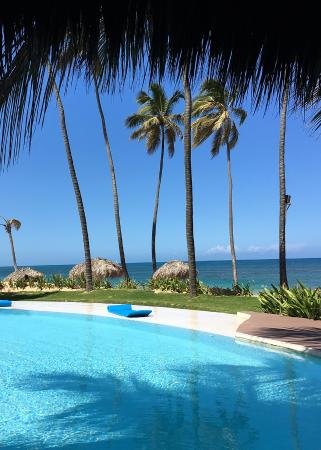 pool and ocean view from one of the restaurants picture of zoetry rh tripadvisor com