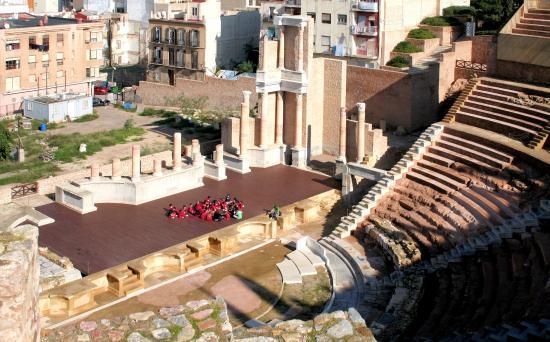 una ventana al pasado - Picture of Roman Theatre Museum ...