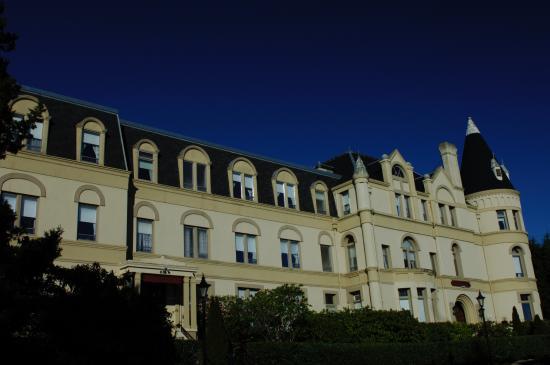 Manresa Castle: Front exterior view
