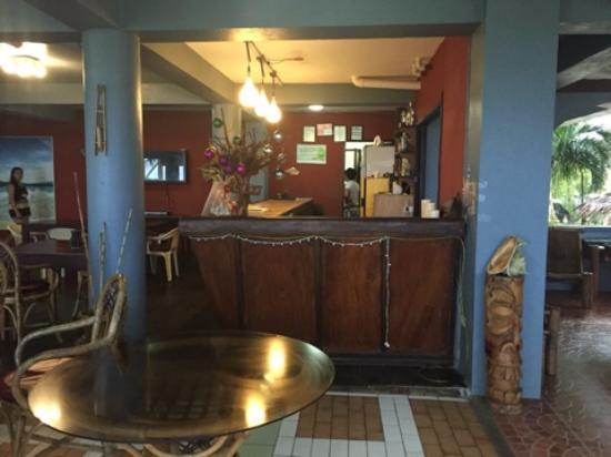 The Boardwalk at Cloud 9: Loby bar