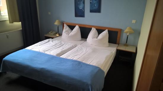 Hoteltow