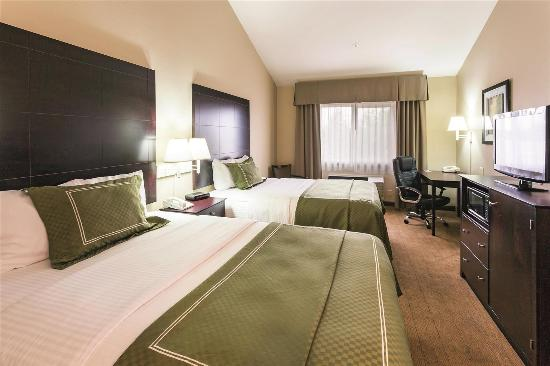 La Quinta Inn & Suites Salem: guestroom