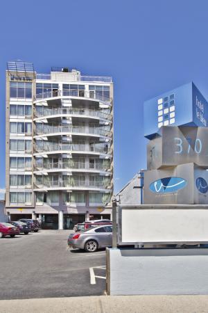 Hotel Le Bleu: Exterior View