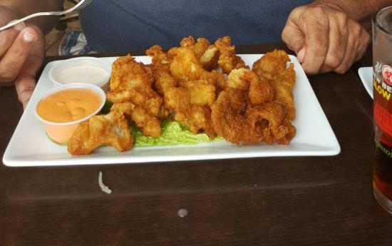 Seafood World Market & Restaurant: Cracked conch