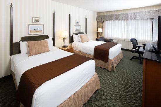 double queen guest room picture of red lion hotel bellevue rh tripadvisor com