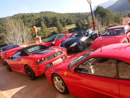 Vandellos, Испания: Concentración de más de 20 Ferraris (y algún mercedes)