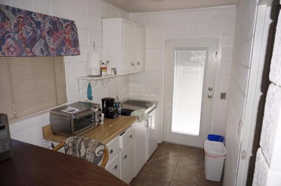 Oasis Inn Borrego: Kitchen unit 7