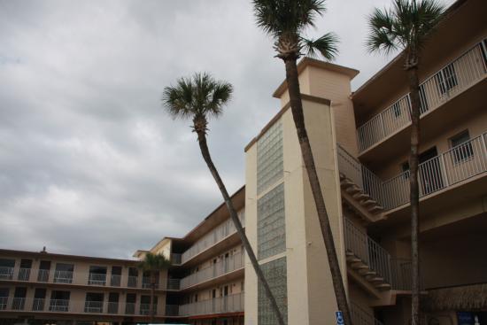 inside area btween the buildings of the hotel picture of makai rh tripadvisor com