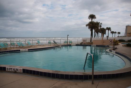 ocean front pool area picture of makai beach lodge ormond beach rh tripadvisor com