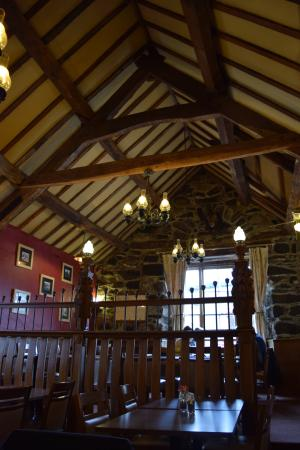 Y Sospan Cafe: It's worth going upstairs to eat. Lovely dining area.