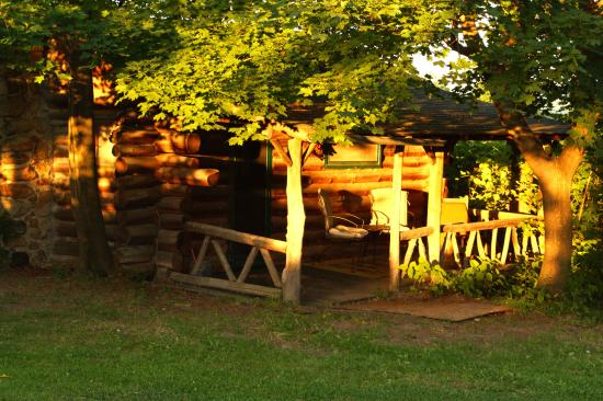 Rustic log cabins campground reviews hector ny for Log cabins in ny