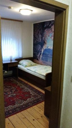 Braunfels, Tyskland: Zimmer ist OK