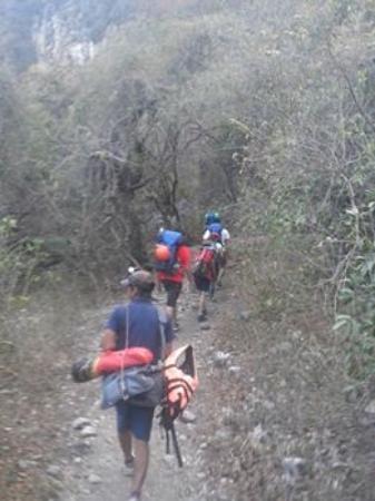Cacahuamilpa, México: Caminata a la Gruta
