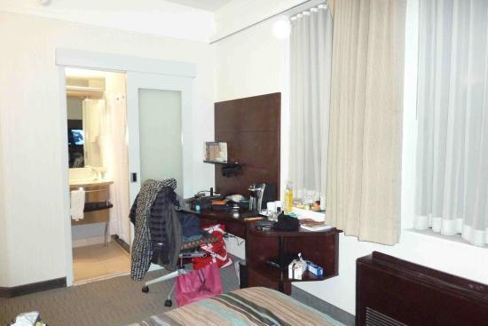 standard room 812 desk area picture of club quarters hotel times rh tripadvisor co za
