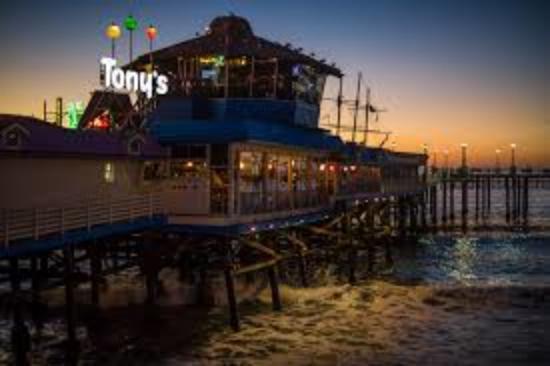 Eldorado Inn and Suites: Old Tony's Redondo Pier