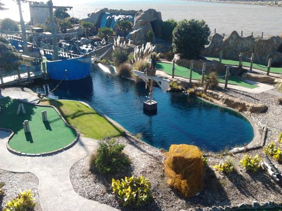 Porirua, Nya Zeeland: Pirate's Cove mini golf wellington