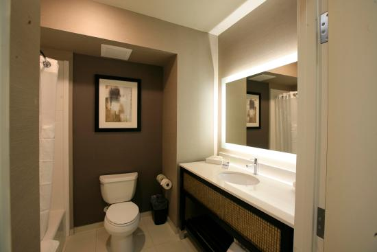contemporary bathroom picture of holiday inn express suites rh tripadvisor co za