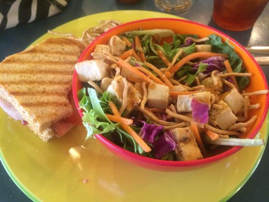 Tricia's Treasures Bistro: Salad and sandwich lunch