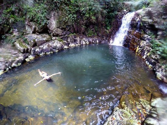 Trilha e Cachoeira do Pocao