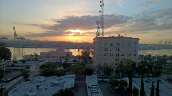 Crowne Plaza Los Angeles Harbor Hotel: Our view of the harbor
