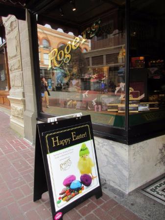 Rogers' Chocolates: Signage