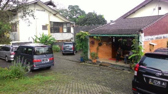 take me home guest house reviews bandung indonesia tripadvisor rh tripadvisor com