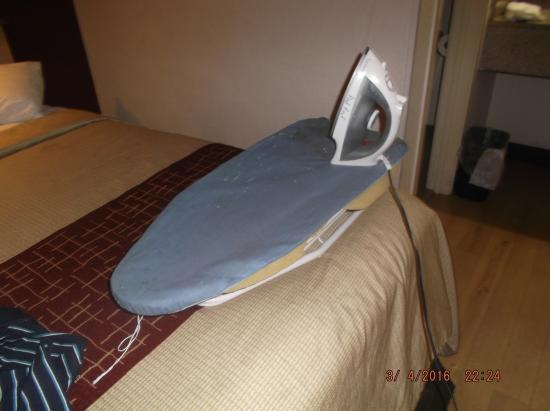 Red Roof Inn Hampton Coliseum & Convention Center: the tiny ironing board....