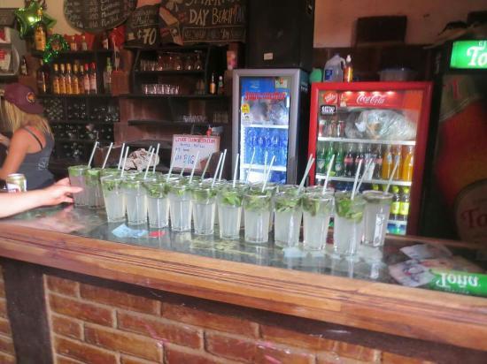 Bigfoot Hostel: The bar