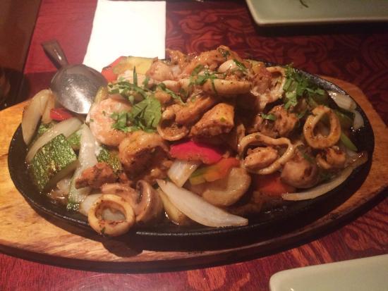 Siam Thai Cuisine: Mariscos a la parrilla, deliciosos  :D